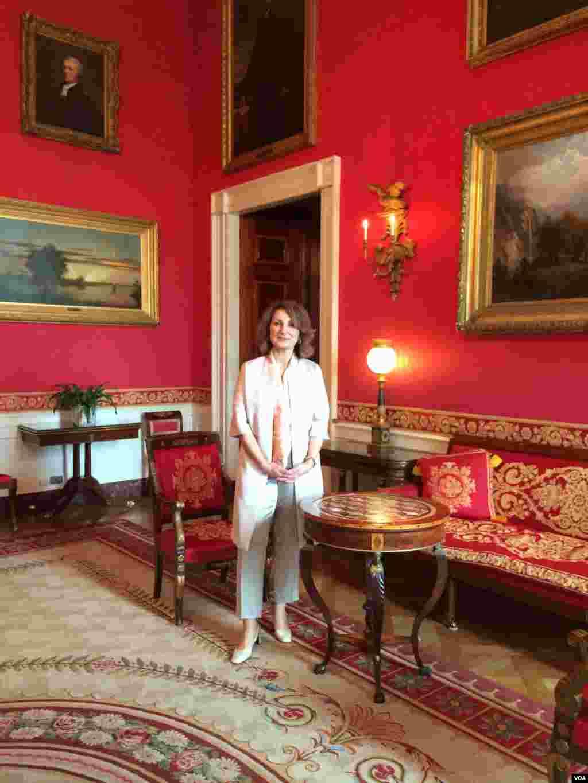 رییس بخش فارسی صدای آمریکا در اتاق قرمز کاخ سفید