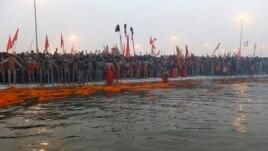 Chính phủ Ấn Ðộ đã xả thêm nước vào các con sông để bảo đảm nước sạch và lưu chuyển