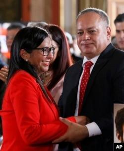 El presidente del partido de gobierno PSUV (Partido Socialista Unido de Venezuela) Diosdado Cabello, propuso a la excanciller Delcy Rodríguez como presidente de la Asamblea Nacional Constituyente.