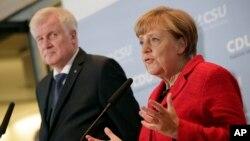 CSU Genel Başkanı Horst Seehofer ve Almanya Başbakanı Angela Merkel