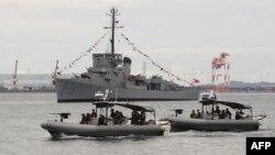 Nhóm các hành động đặc biệt của Hải quân Philippines tuần duyên ở Vịnh Subic, hướng về Biển Đông, 6/8/2013