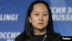 سبرینا مینگ ہواوی کے بانی رین زینگ فائی کی بیٹی ہیں۔