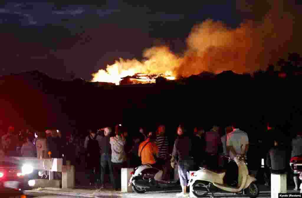 유네스코 세계문화유산으로 지정된 일본 나하 시에 위치한 슈리성에서 화재가 발생했다.