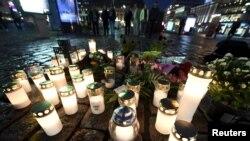 Sveće na mestu napada u Turku u Finskoj
