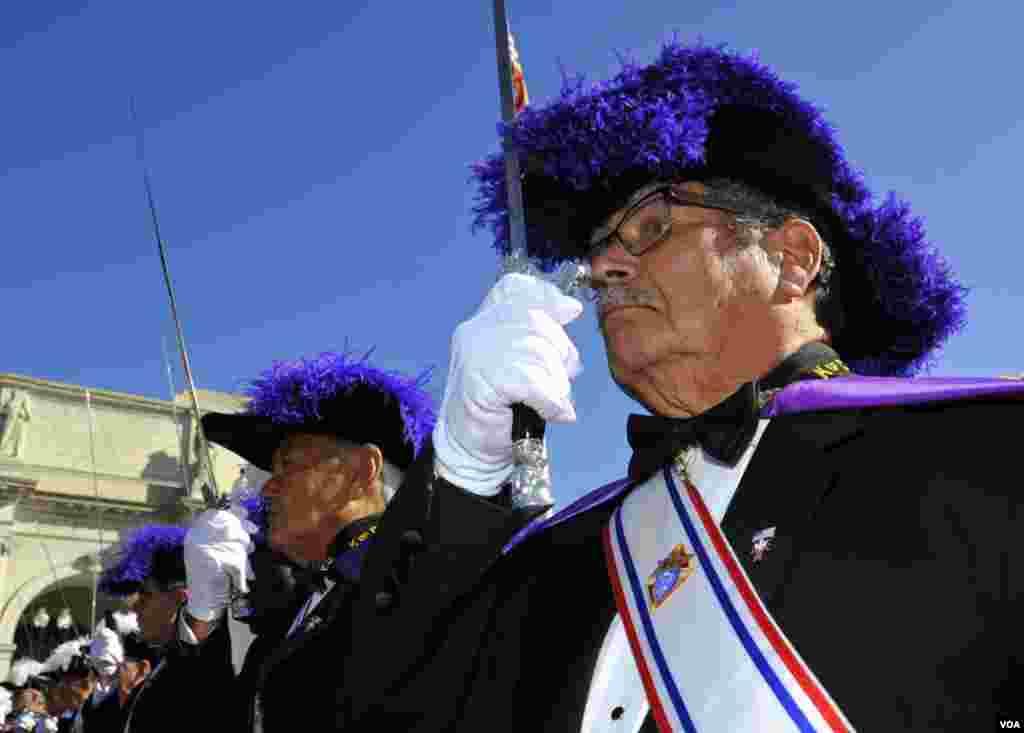 «На караул». Офицеры «Ордена Колумба»