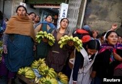 Bolivianos que apoyan a Evo Morales no aceptan las medidas del gobierno de transición.