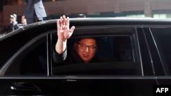 北韓領導人金正恩離開板門店返回北韓(2018年4月27日)