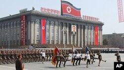 지난 15일 평양의 김일성 광장에서 열린 태양절 기념 열병식.
