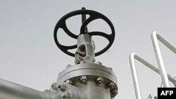 İran Hindistanın neftə görə borcun üçdə iki hissəsini ödədiyini bildirir
