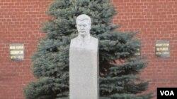 莫斯科紅場克里姆林宮牆外的斯大林墓(美國之音白樺拍攝)