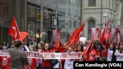 Nyu Yorkda Türk Günü Yürüşü
