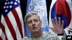 월터 샤프 전 주한미군사령관 (자료사진)