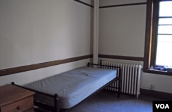 Dorm room at Vassar College, by Emily.laurel504
