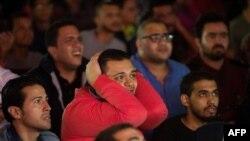 Des supporters d'Al-Ahly inquiets lors d'un match contre le WAC de Casablanca, Maroc le 4 novembre 2017