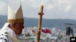 罗马天主教教宗方济各2015年7月7日在厄瓜多尔首都基多主持大型弥撒。