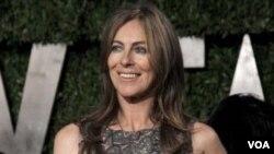 """Kathryn Bigelow recibió los premios Oscar por """"mejor película"""" y """"mejor director"""" por su película """"The Hurt Locker""""."""