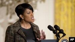 La Conferencia de Alcaldes de EE.UU., liderada por la alcaldesa de Baltimore, Stephanie Rawlings-Blake, es una organización no partidista que agrupa a los alcaldes de las ciudades de 30.000 o más habitantes, que son casi 1.400 en todo el país.