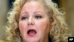 La fiscal de distrito del Condado Alameda, Nancy O'Malley, anunció que presentará cargos a siete policías implicados.