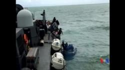 2015-01-08 美國之音視頻新聞: 印尼潛水員尋找亞航失事客機黑盒