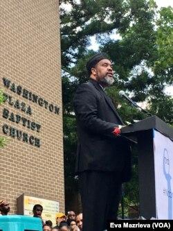 Tokoh Muslim Amerika yang disegani, Imam Mohammad Magid, menyerukan warga untuk tetap kuat menghadapi peristiwa menyedihkan seperti yang dihadapi sekarang.