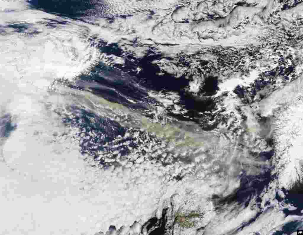Eyjafjallaj�kull Volcano sent a plume of ash and steam across the North Atlantic, prompting authorities in the United Kingdom, Ireland, France, and Scandinavia to close airspace over their countries, 15 Apr 2010