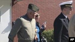 فلیکس (چپ) از سال ۲۰۰۲ به این سو در اردوی ایالات متحده خدمت کرده است.