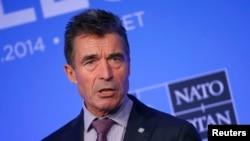 Андерс Фог Расмуссен выступает на пресс-конференции на саммите НАТО в городе Ньюпорт. Уэльс. 5 сентября 2014 г.