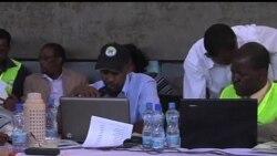 2013-03-06 美國之音視頻新聞: 肯尼亞舉行總統選舉 肯雅塔暫居領先地位