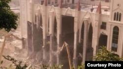 被强拆中的三江教堂(图片来源:蔡淑芳)