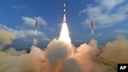 """""""ماهواره آسیای جنوبی"""" از مرکز فضایی «سریهریکوتا» در جنوب هند پرتاب شد. (آرشیف)"""