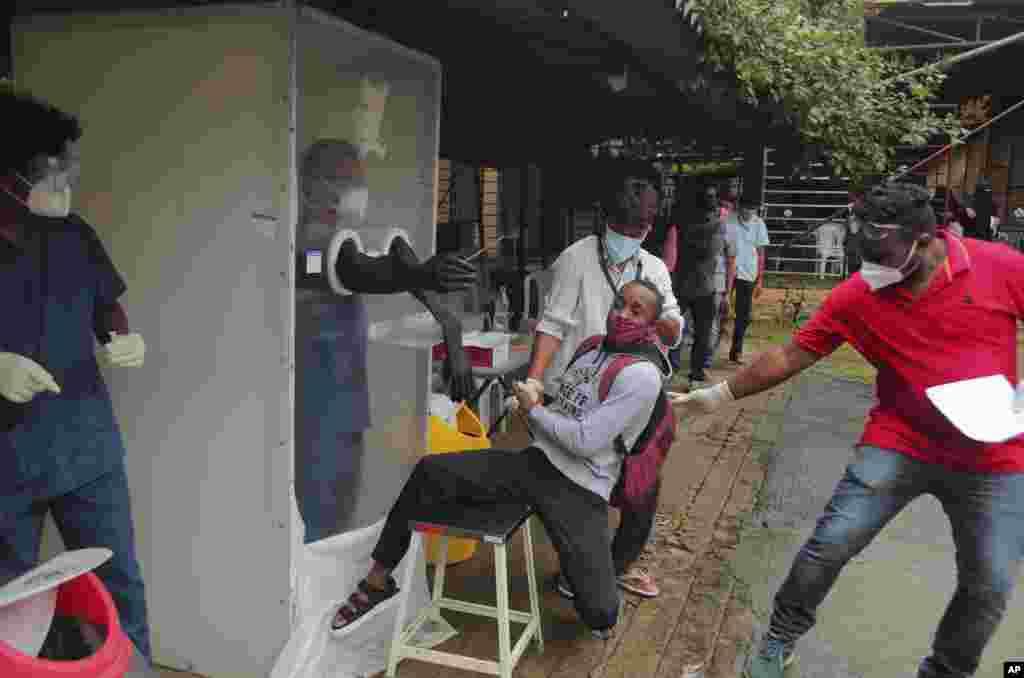 واکنش باشنده شهر حیدرآباد هند به انجام آزمایش کروناویروس