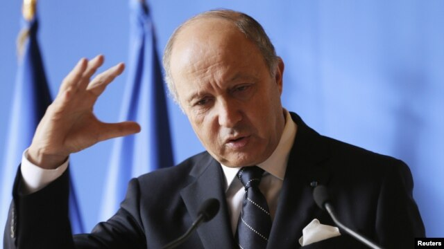 지난 10월 기자회견을 갖는 로랑 파비우스 프랑스 외무장관. (자료사진)