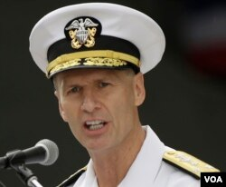 美国海军第七舰队司令、海军中将约瑟夫·奥库安