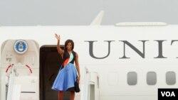 លោកស្រី Michelle Obama បញ្ចប់ទស្សនកិច្ច៣ថ្ងៃនៅកម្ពុជា