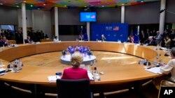 Президент Джо Байден выступает на саммите США и Европейского союза в Брюсселе, 15 июня 2021 года