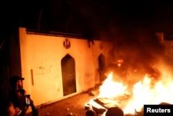 İraqda nümayişçilər İranın konsulluğunu yandırıb.