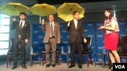 学民思潮召集人黄之锋(左起)、占中发起人戴耀廷及香港民主党创党主席李柱铭出席美国人权组织自由之家在华盛顿新闻博物馆举办的75周年庆祝特别活动。