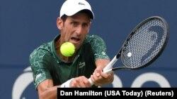 Novak Đoković u duelu protiv Mirze Bašića na startu Mastersa u Torontu (Foto: Reuters/Dan Hamilton-USA Today)