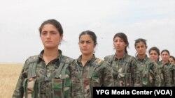 Các nữ chiến binh người Kurd.