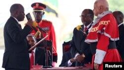 坦桑尼亚新总统约翰·马古富力星期四宣誓就职 (2015年11月5日)