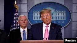 Le président Donald Trump a désigné son vice-président, Mike Pence, pour coordonner la lutte contre le coronavirus aux Etats-Unis. Photo REUTERS/Carlos Barria 26 février 2020.
