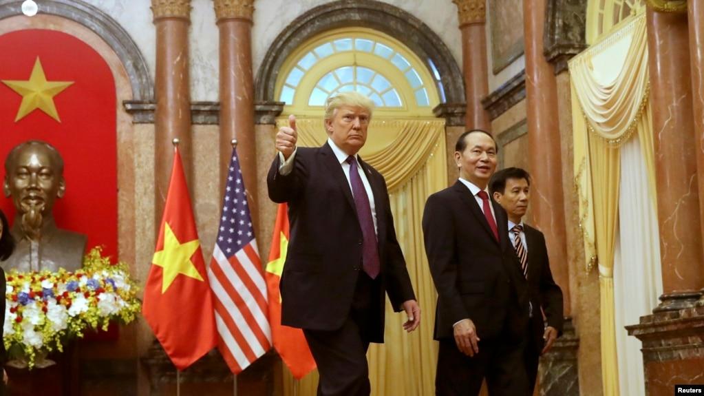 """Tổng thống Mỹ Donald Trump đã làm các lãnh đạo Việt Nam """"hài lòng"""" về chuyến thăm tới Đà Nẵng và Hà Nội."""