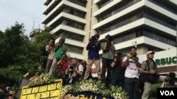 Bdenje gradjana posle napada u Džakarti