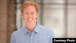 Roger Lynch, menjadi CEO baru Pandora (foto courtesy: Dish).