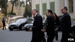 Francuski ministar inostranih poslova Loran Fabijis doputovao je u Lozanu da bi se pridružio pregovorima