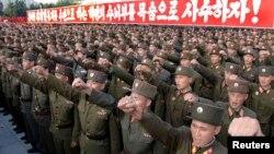 지난 2009년 6월 북한이 핵실험을 단행한 가운데, 국제사회의 대북제재에 대항해 평양 김일성 광장에서 궐기대회가 열렸다. (자료사진)