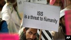 """""""ISIS (groupe Etat islamique) est une menace à l'humanité"""" à New Delhi, Indie, le 18 novembre 2015."""