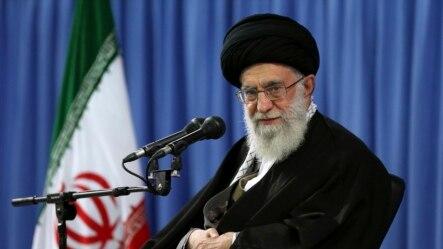 លោកAyatollah Ali Khamenei មេដឹកនាំកំពូលនៃប្រទេសអ៊ីរ៉ង់ បានរិះគន់យ៉ាងខ្លាំងដល់ស.រ.អ.ដោយលោកបានចោទប្រកាន់រដ្ឋាភិបាលក្រុងវ៉ាស៊ីនតោន ថាបានបង្កើតរឿងមិនពិតពីអាវុធនុយក្លេអ៊ែរអ៊ីរ៉ង់។