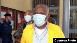 Vital Kamerhe na bobimi na Cour ya Cassation na Gombe, Kinshasa, 3 aout 2020. (Twitter/Breaking News)