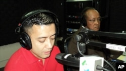 Hisham Moussa, (left), and Chum Sirath, (right), on 'Hello VOA'.